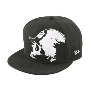 40-13589 | Metal Mulisha BLACK OUT lippis musta 7 1/2